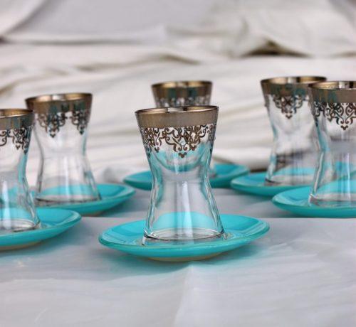 Tea glasses turquois saucers
